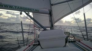 Och så var vi iväg. Det här var vår segelsättning under många sjömil